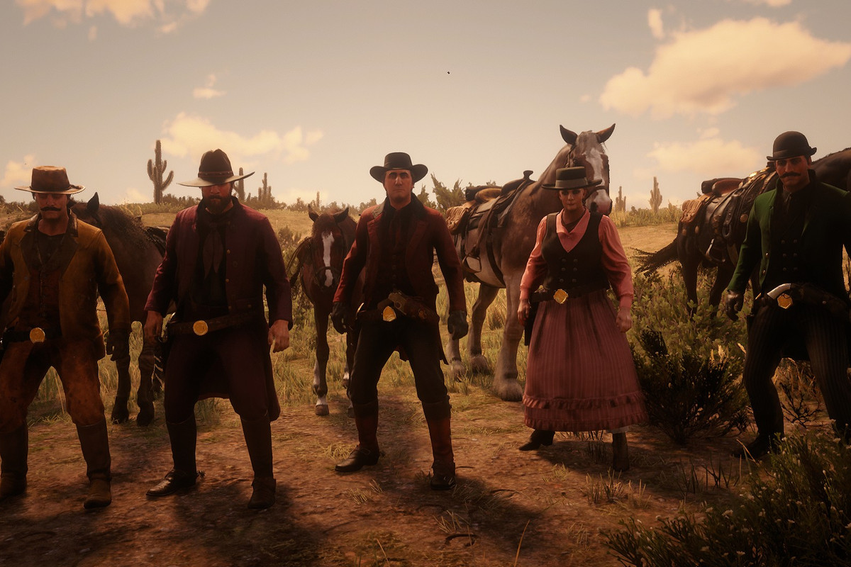 Red Dead Online - a group of players in a posse.