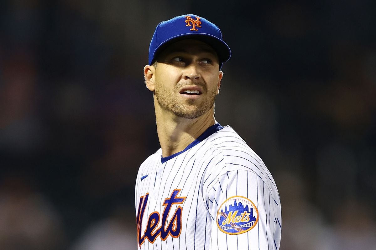 Jacob deGrom of the New York Mets in action against the Boston Red Sox at Citi Field on April 28, 2021 in New York City. Boston Red Sox defeated the New York Mets 1-0.