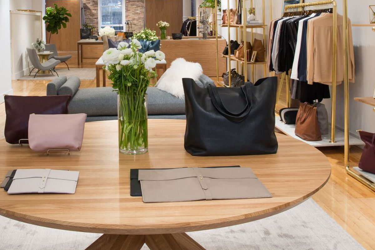 cuyana u0026 39 s holiday pop-up shop returns to soho this weekend