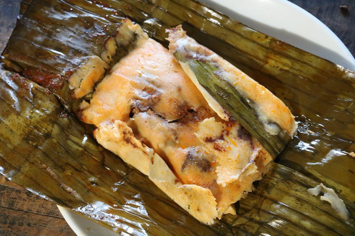 Tamal de hoja de plátano at Tamales Elena