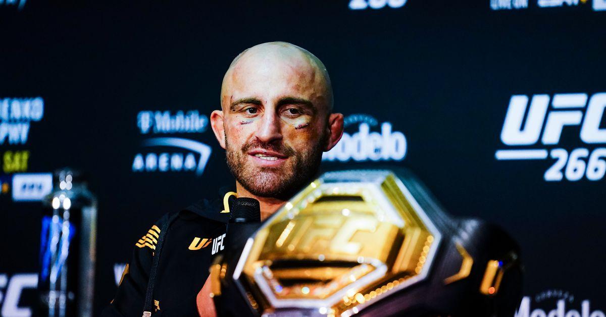 Alexander Volkanovski responds to post-UFC 266 tweets from Henry Cejudo, Conor McGregor
