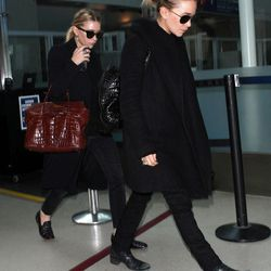 Of course, a celebrity airport style round-up wouldn't be without The Row/Elizabeth & James designers Mary-Kate and Ashley Olsen.