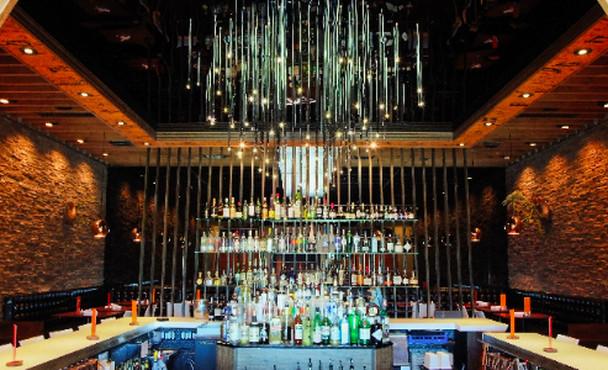 The bar at Starlite