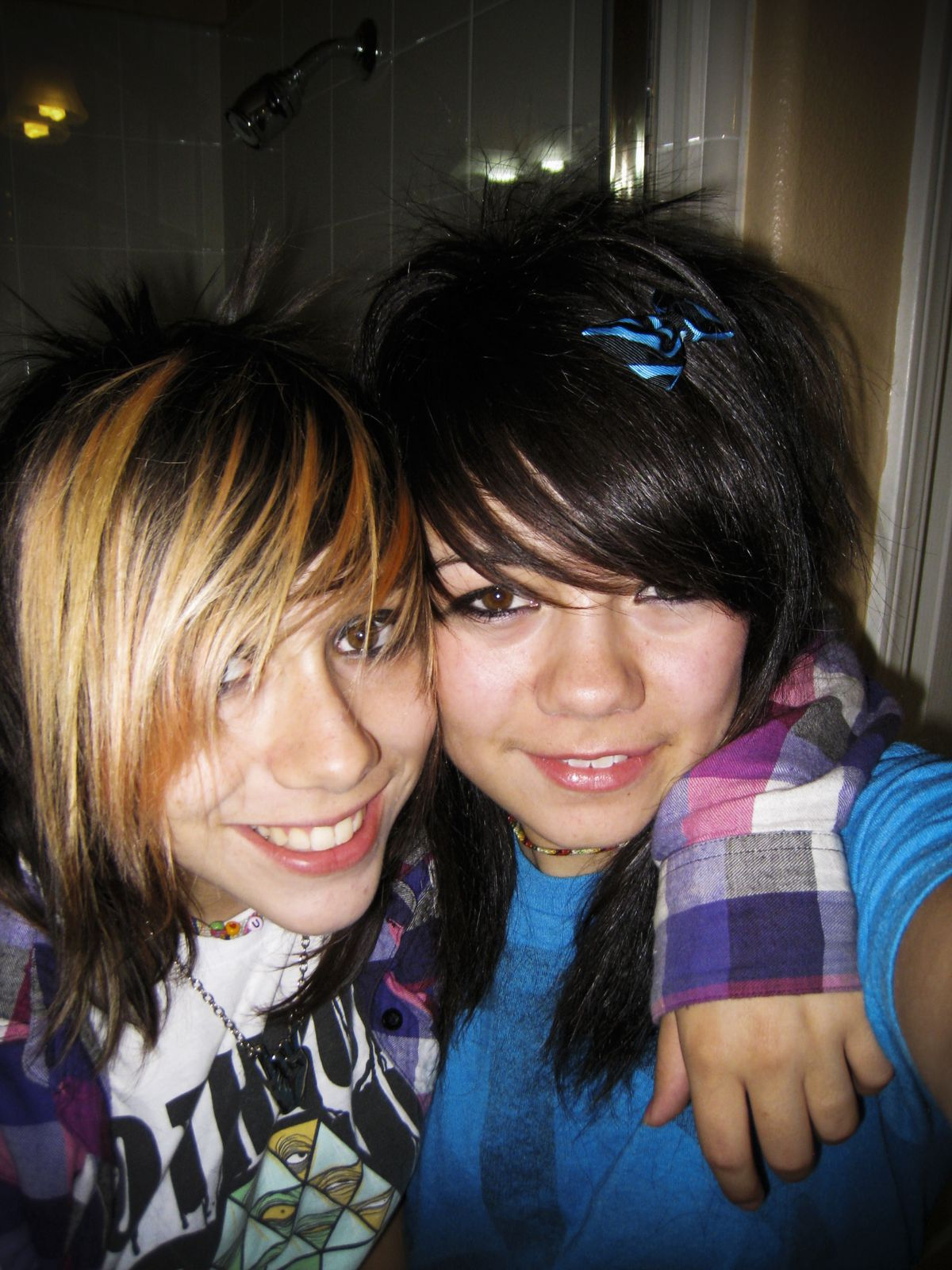 Danika and Emilie Cote as teenagers.