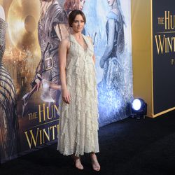 Emily Blunt, ruffled and sparkling like the G.D. sunset on some body of water, in Valentino fall 2016.