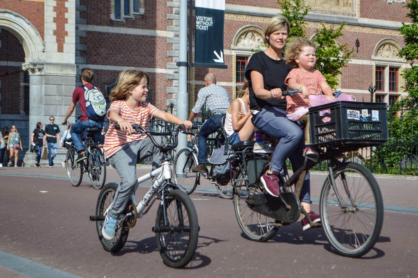 How the Dutch created a casual biking culture - Vox