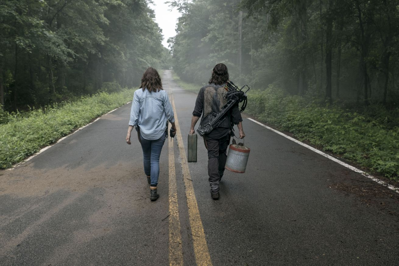 the walking dead wants to reinvent itself but it keeps falling back on old tricks