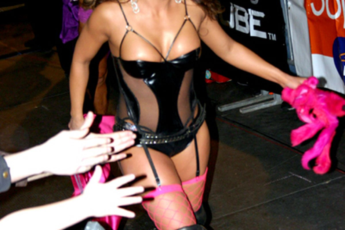 """Dawn Marie, unfairly picked upon charity owner or a confidence trickster?  What do you think Cagesiders?  Photo via <a href=""""http://upload.wikimedia.org/wikipedia/commons/6/67/Dawn_marie_2.jpg"""">upload.wikimedia.org</a>."""