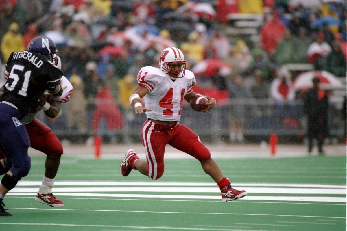 16fb498cc Memorable moments in recent Northwestern-Wisconsin football history ...