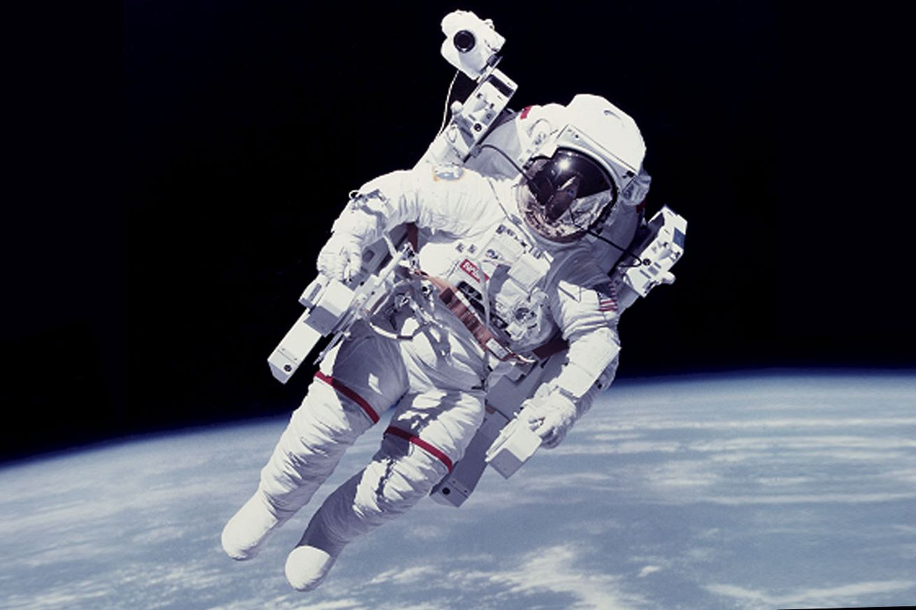 new take me home button could guide astronauts to safety during spacewalks