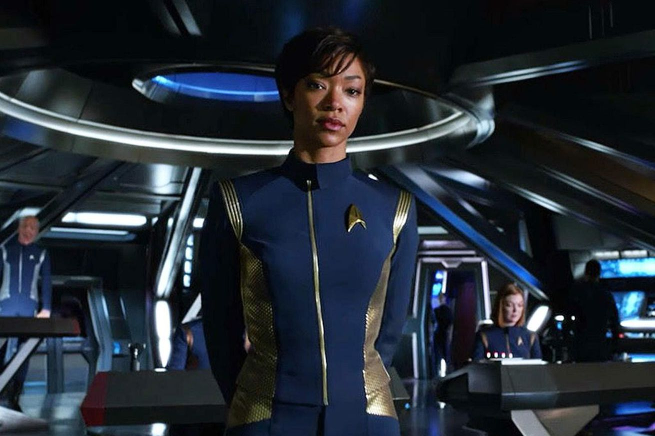 cbs now lets all access users download star trek discovery for offline viewing on mobile