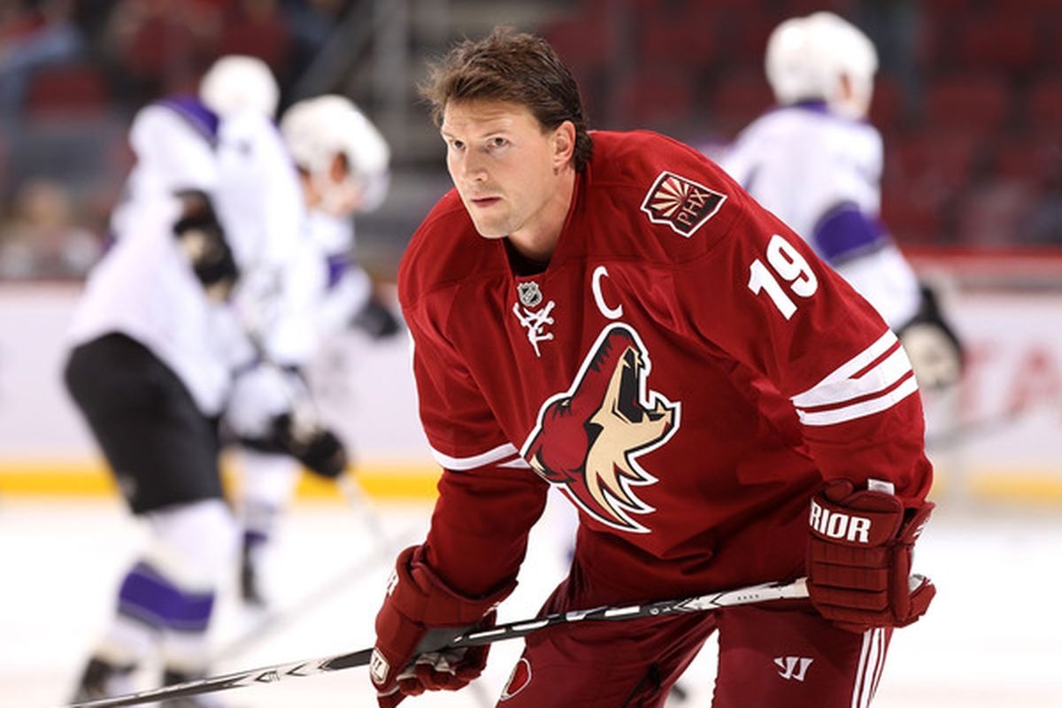 GLENDALE AZ - SEPTEMBER 23:  Shane Doan #19 of the Phoenix Coyotes warms up before the preseason NHL game against the Los Angeles Kings at Jobing.com Arena on September 23 2010 in Glendale Arizona.  (Photo by Christian Petersen/Getty Images)