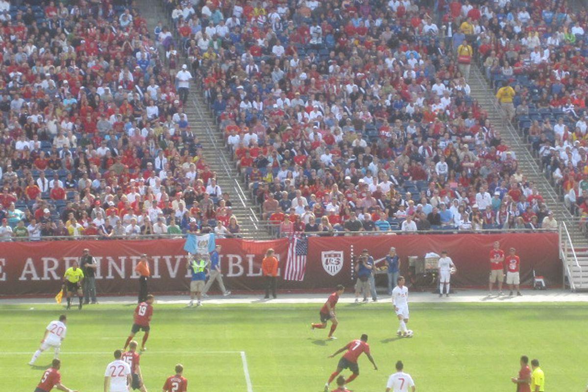 Spain-USA first half action (Santi, #20).
