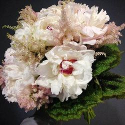 Epoch Floral Studio [1700 West Hubbard Street] creates stunning flower arrangements for high-end clients including Park Hyatt Chicago. Lucky for brides with a green thumb, owner Mike Hines also teaches private flower-arranging classes for bachelorettes. T