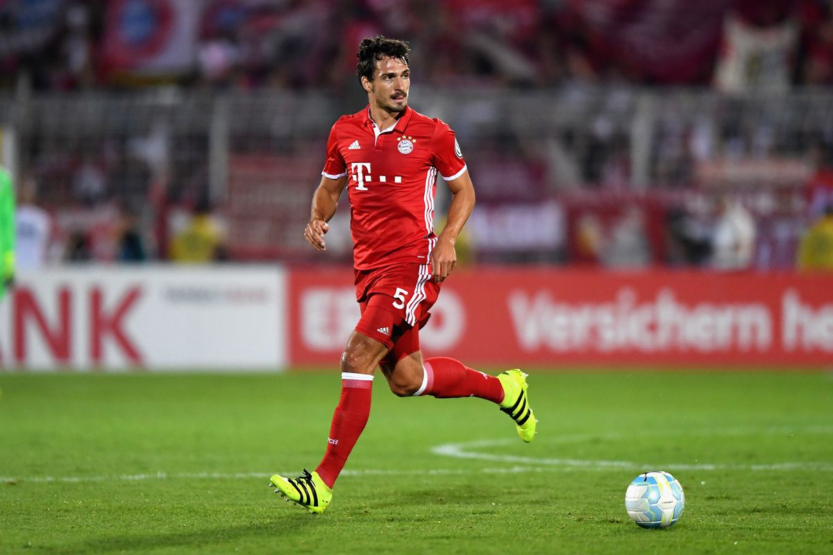 FC Carl Zeiss Jena v Bayern Muenchen - DFB Cup