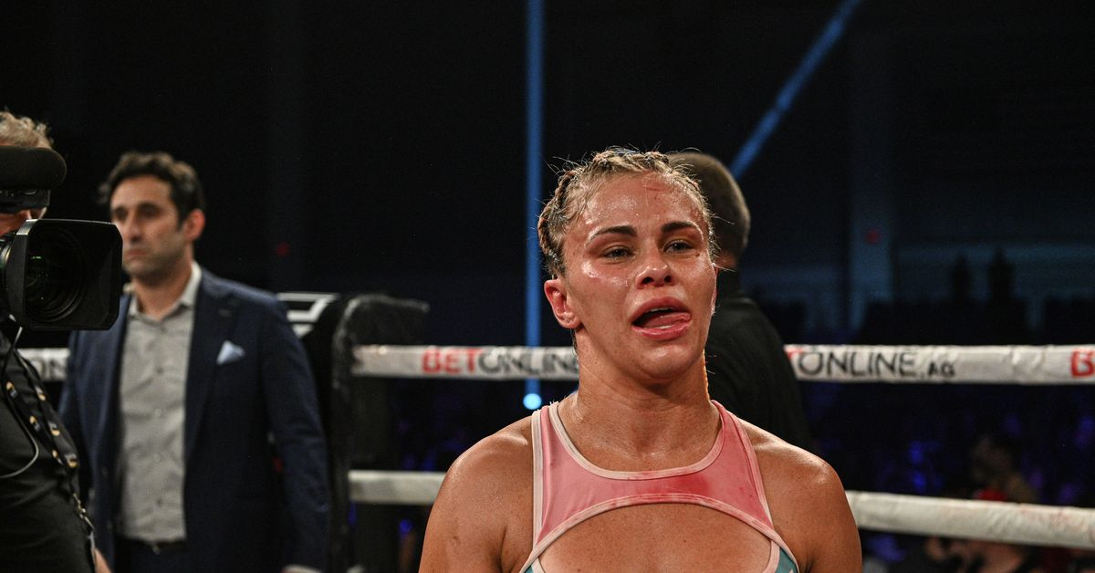 Paige VanZant resilient in first statement after loss at BKFC 19: 'Guess what b*tches? I'm still smiling'