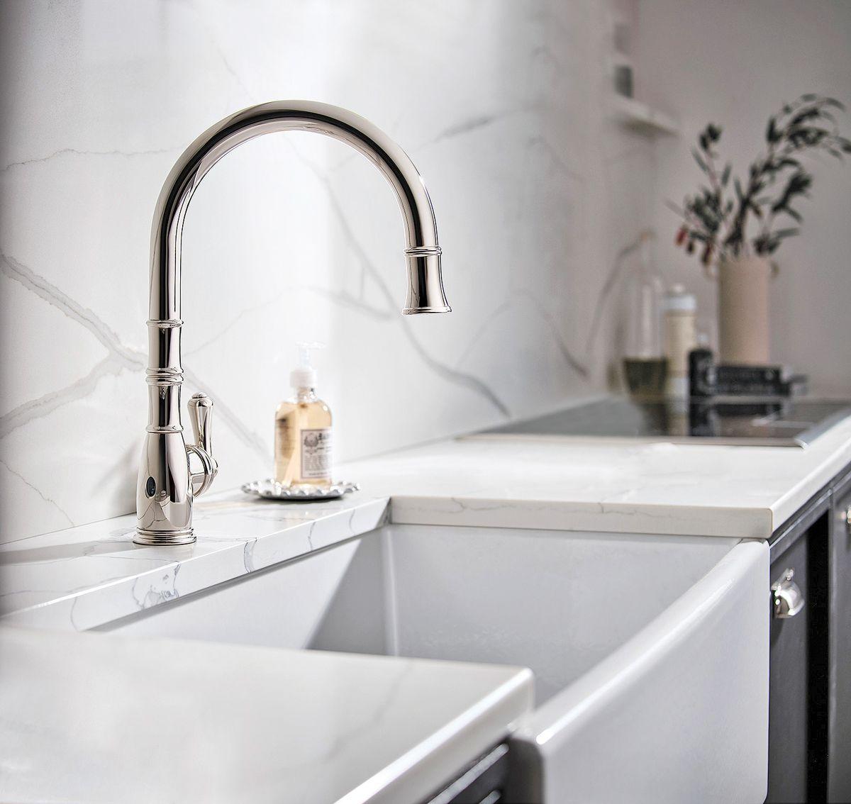gooseneck pull-down faucet