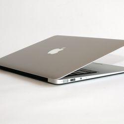 MacBook Air (13-inch, 2011)