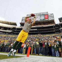Green Bay Packers' Clay Matthews warms up before an NFL football game against the Chicago Bears Thursday, Sept. 13, 2012, in Green Bay, Wis.