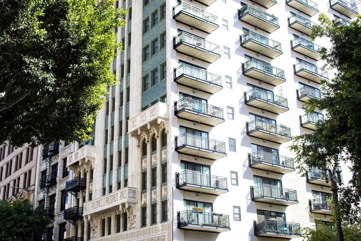 Bill to expand California rent control fails