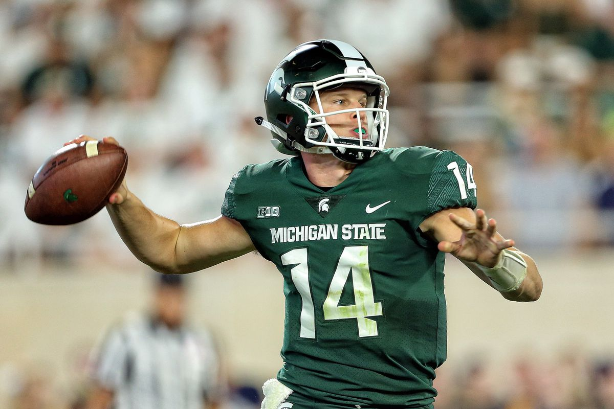 behind enemy lines  the only colors discusses iowa - michigan state football