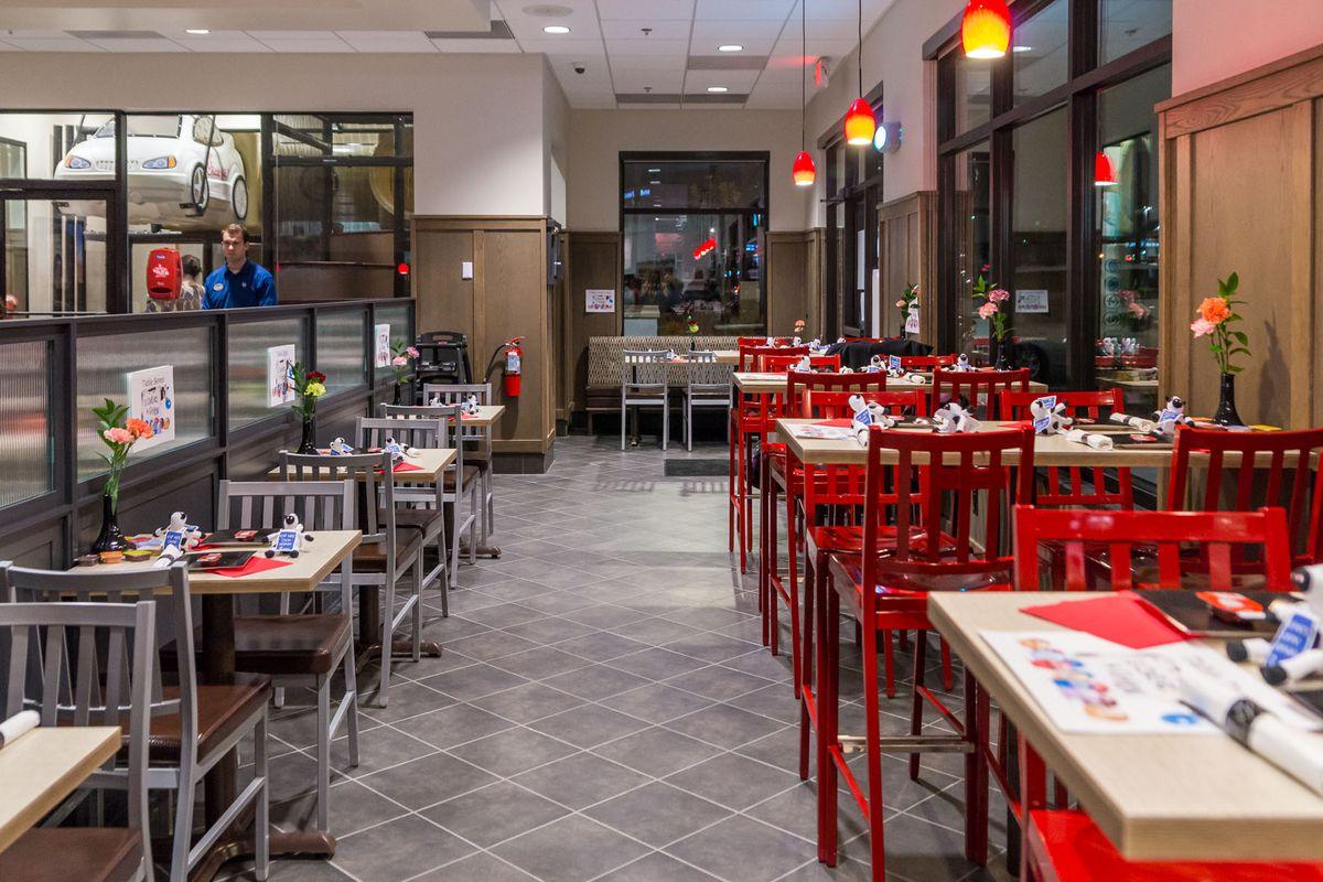 Look Inside Both Fil A Restaurants Now Open In Las Vegas