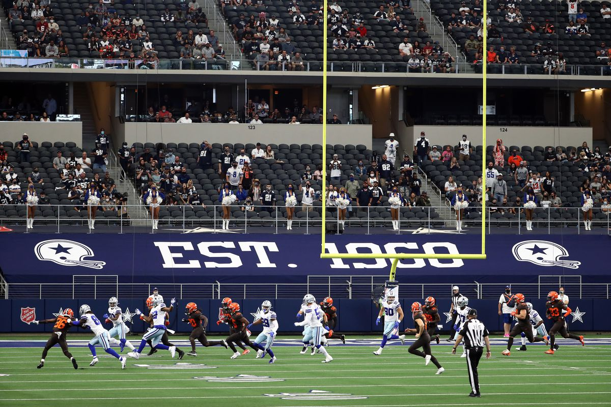 Cleveland Browns v Dallas Cowboys