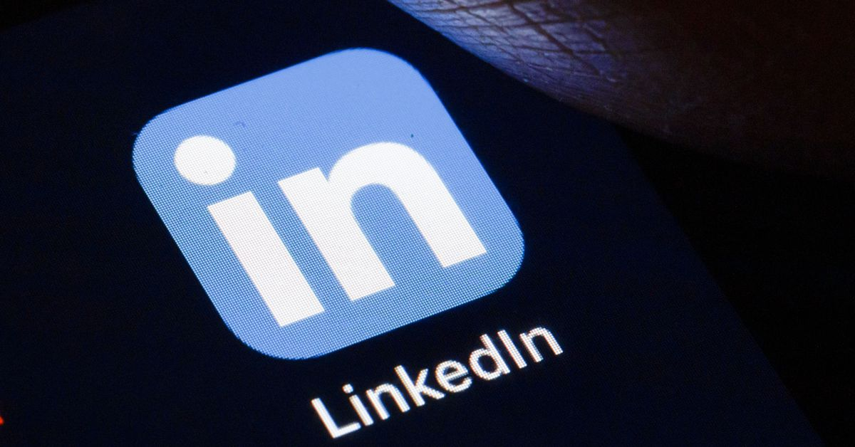 LinkedIn says it will stop repeatedly copying iOS clipboard