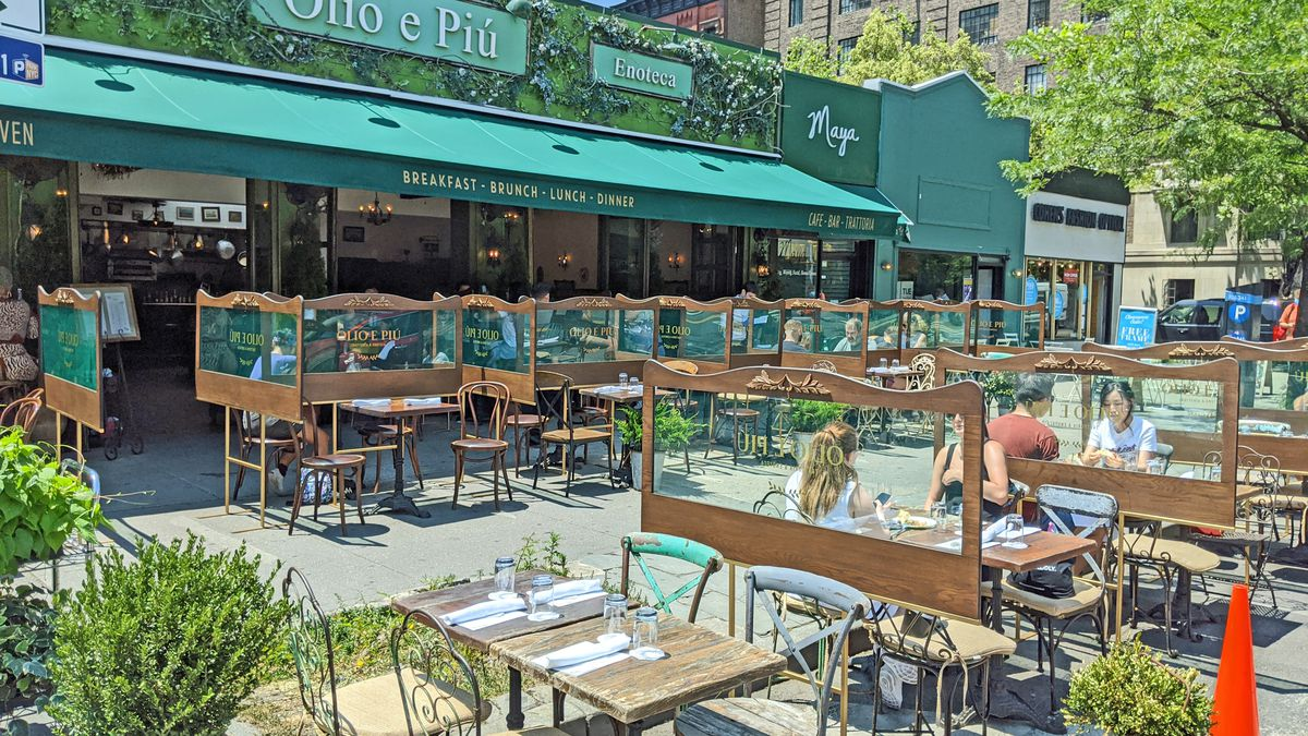 Nyc Outdoor Dining What It Feels Like To Eat Outside Right Now Eater Ny