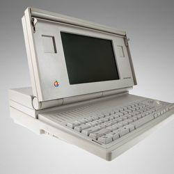 1989: Macintosh Portable