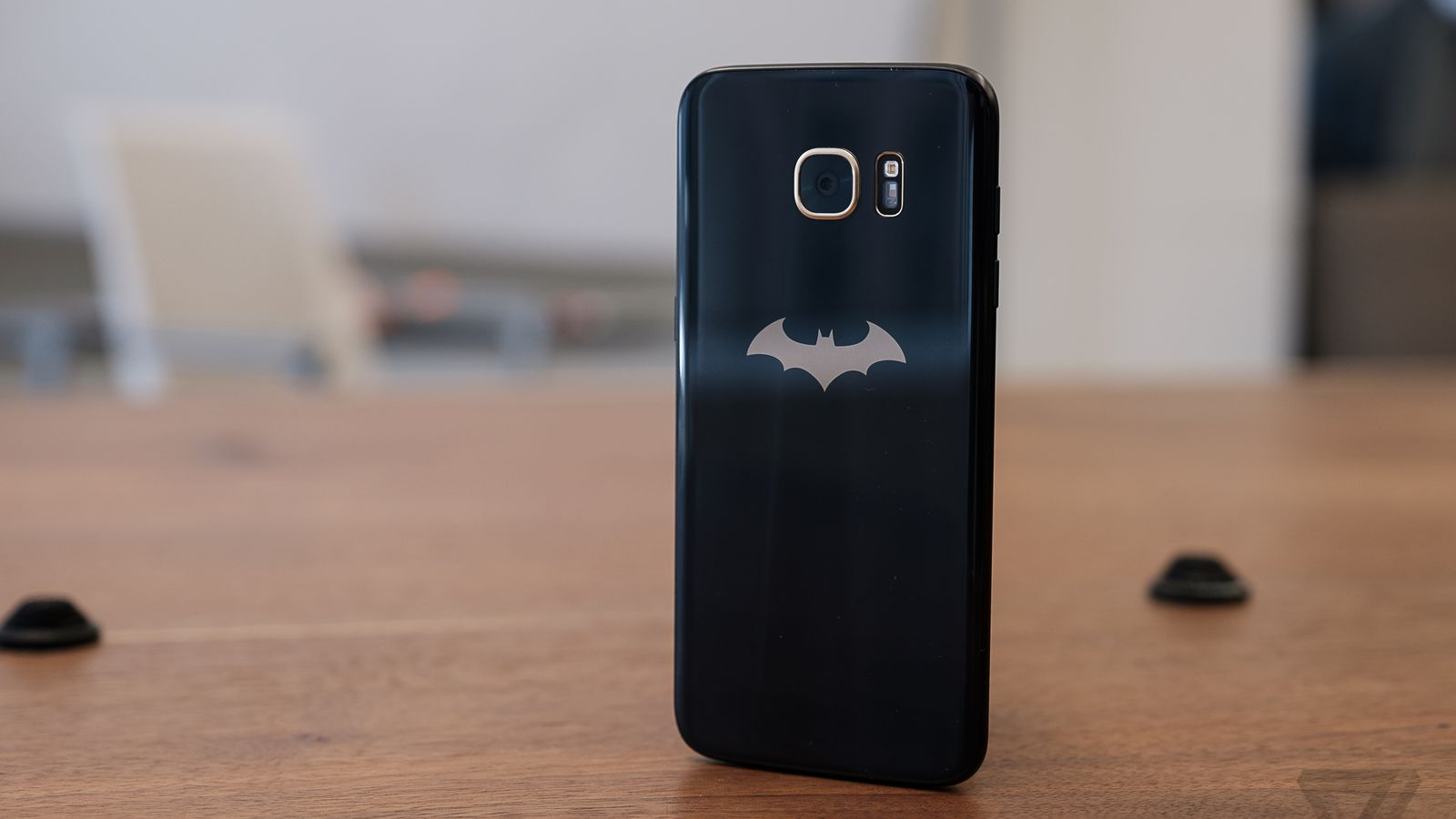 Samsung's Batman edition Galaxy S7 Edge is absurd and awesome at the