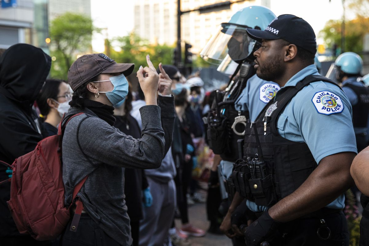 George Floyd protests Chicago: Tensions high as downtown tries to ...