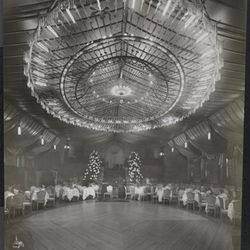 """Ritz-Carlton in 1915 by Byron Company [<a href=""""http://collections.mcny.org/MCNY/C.aspx?VP3=ViewBox&IT=ZoomImageTemplate01_VForm&IID=2F3XC5U0AB9V&CT=Image&Flash=1#/ViewBox_VPage&VBID=24UP1GYKL1C&IT=ZoomImageTemplate01_VForm&IID"""