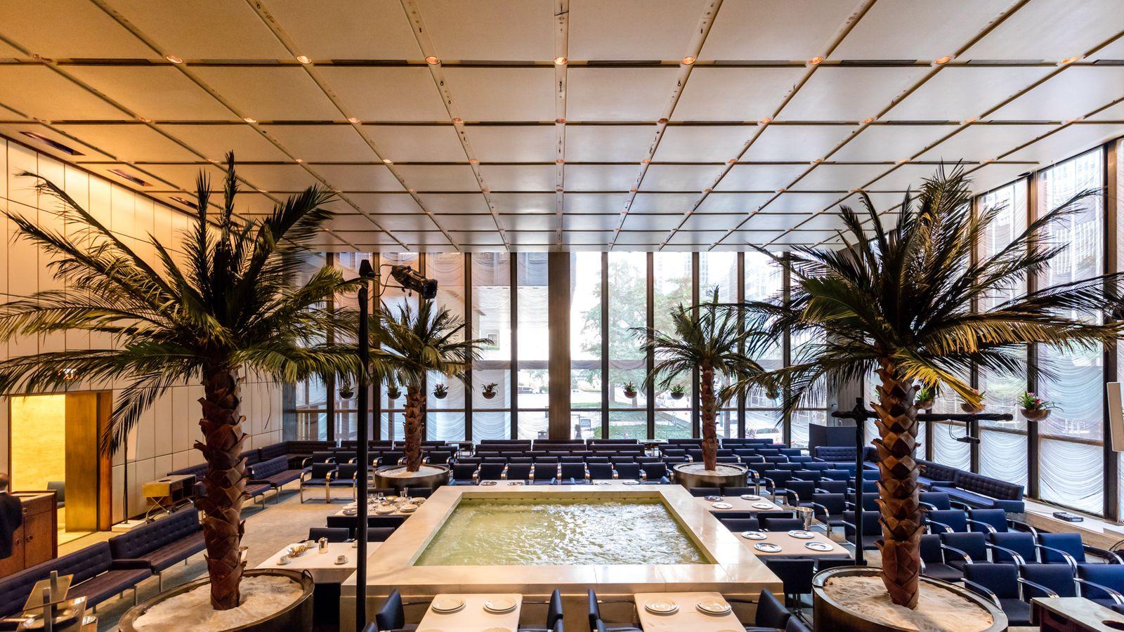 The Four Seasons Restaurant S Midcentury Modern Interiors