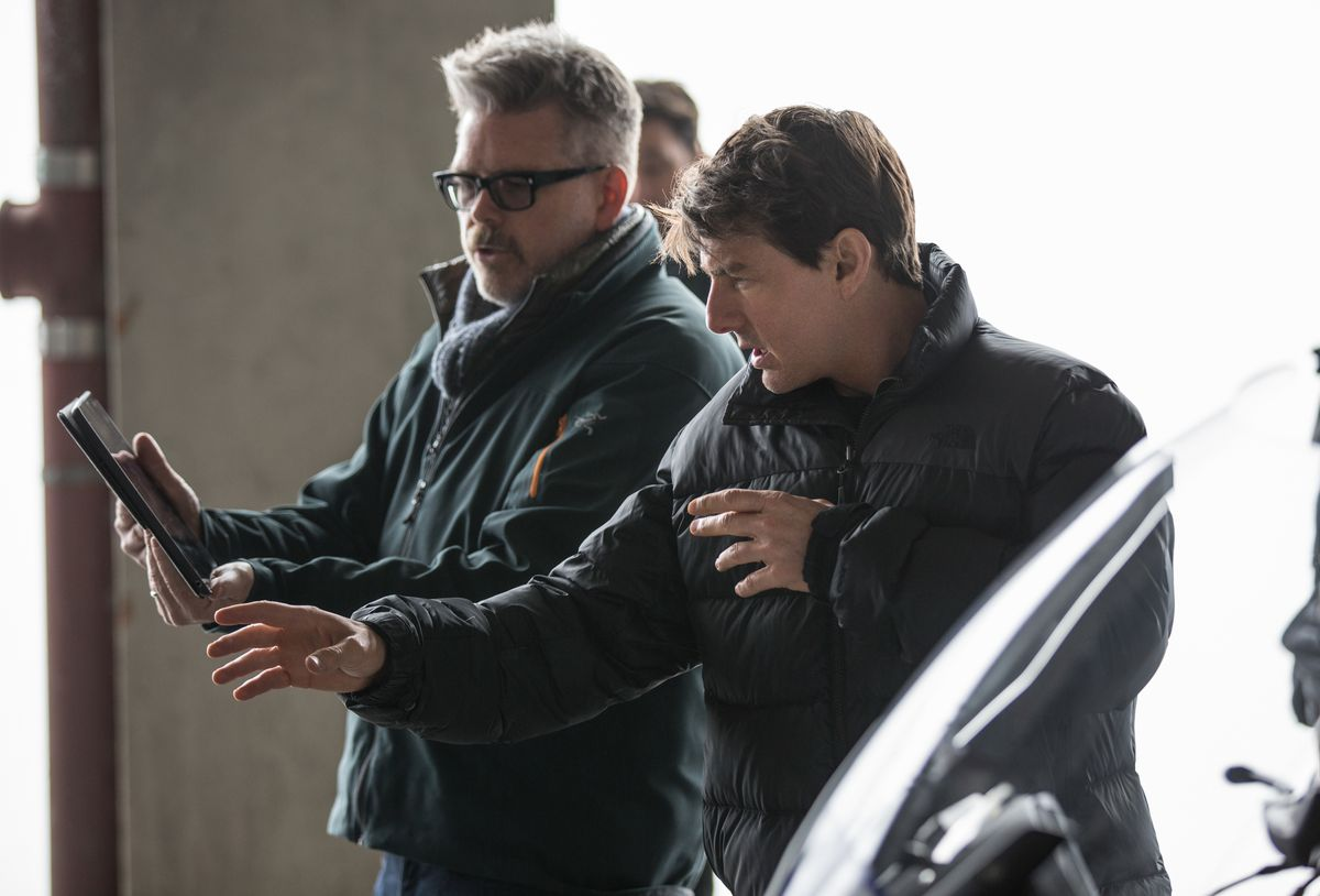Christopher Mcquarrie And Tom Cruise On The Set Of Mission Impossible Fallout