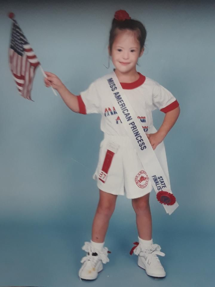 Larissa's mom enteredher in the Miss American Princess pageant when she was eight.