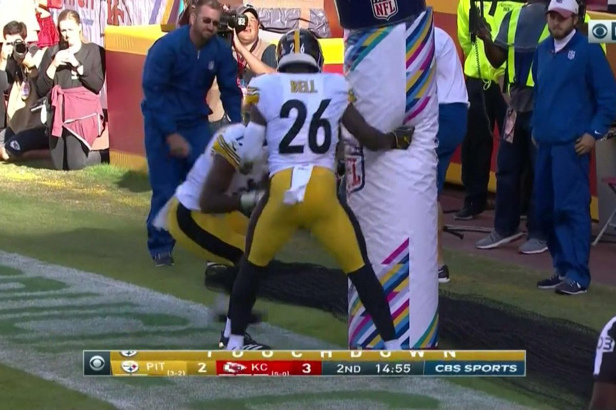 Steelers vs Chiefs Le Veon Bell draws penalty for boxing up