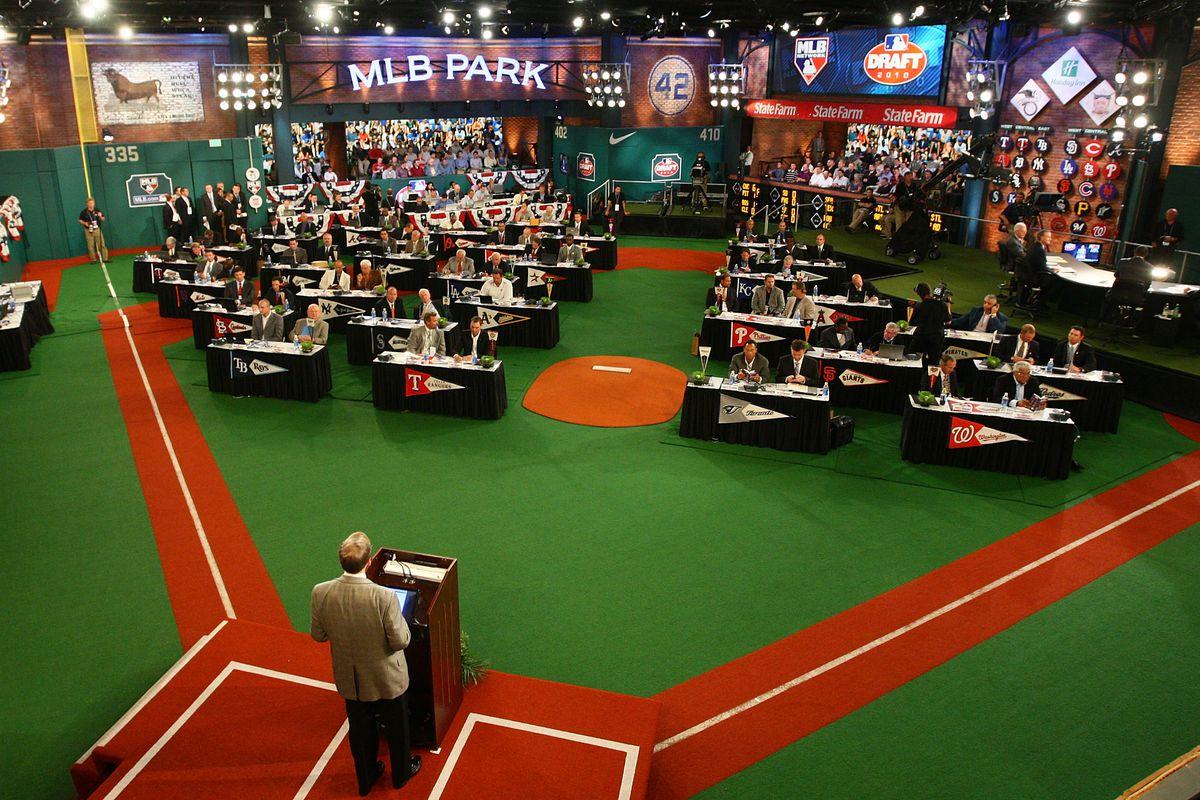 Reds select high school phenom Hunter Greene in Major League Baseball draft