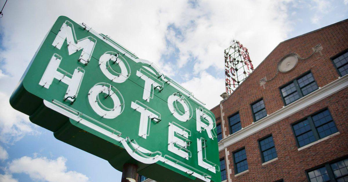 Craigslist De Los Angeles >> Old Hotel Clermont Sign for Sale on Craigslist - Eater Atlanta
