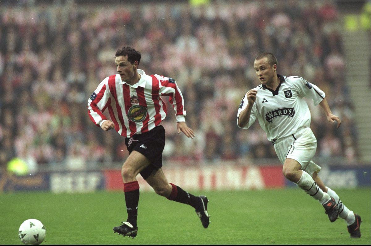 Allan Johnston of Sunderland and Paul Devlin of Sheffield United