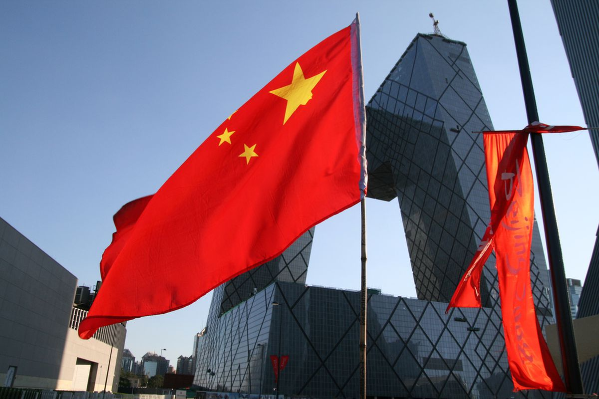 Chinese flag (credit Flickr/poeloq)