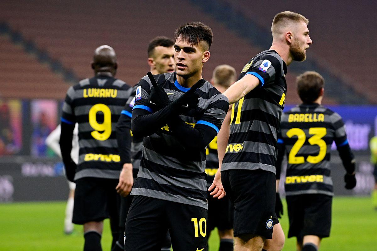 Internazionale v Benevento Calcio - Italian Serie A