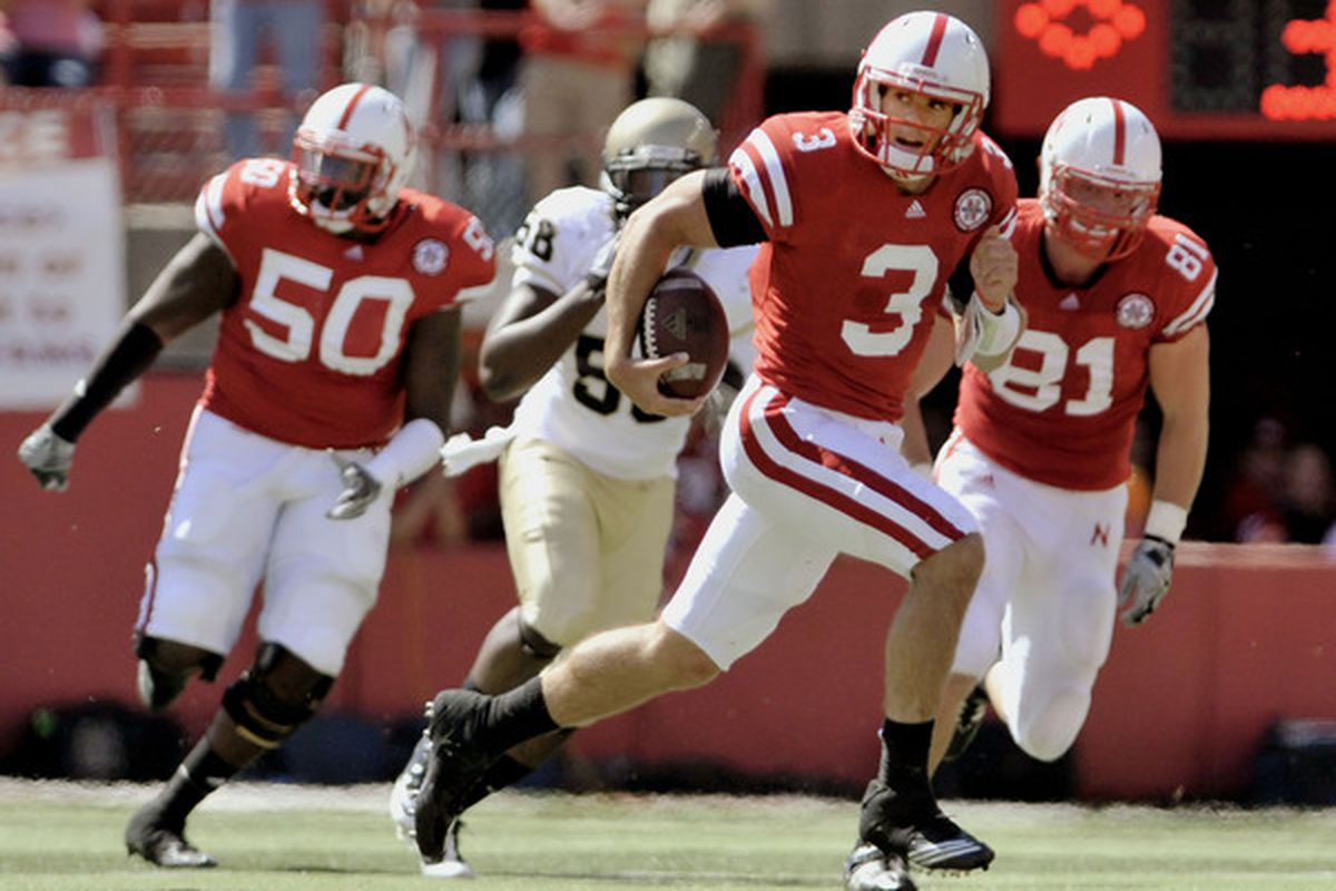 This Taylor Martinez could win the Davey O'Brien Award in 2011. That one we see where he's wincing and limping - that guy won't.