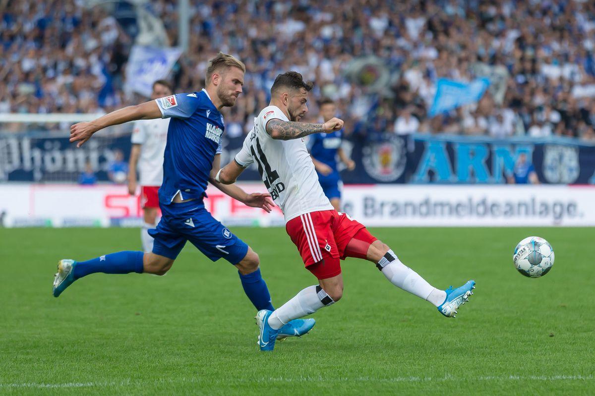 Karlsruher SC v Hamburger SV - Second Bundesliga