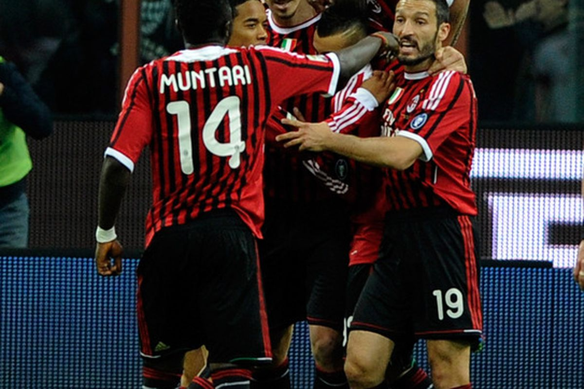 MILAN, ITALY - MARCH 24:  Zlatan Ibrahimovic of AC Milan celebrates scoring the first goal during the Serie A match between AC Milan and AS Roma at Stadio Giuseppe Meazza on March 24, 2012 in Milan, Italy.  (Photo by Claudio Villa/Getty Images)