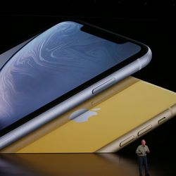 iPhone XR announced with a notched 6.1-inch LCD display ...