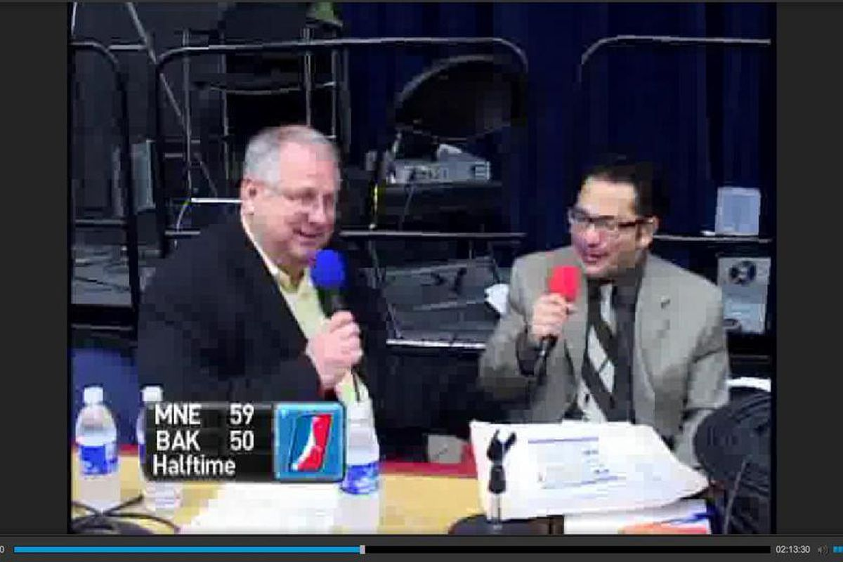 Now that we have a futurecast archive, I can screencap pictures of Mark Warkentien doing halftime interviews in Bakersfield! (And other stuff)