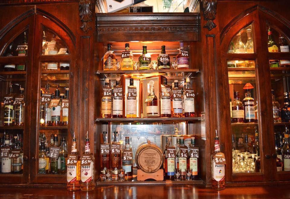 "<span data-author=""-1"">McMullan's Irish Pub </span>"