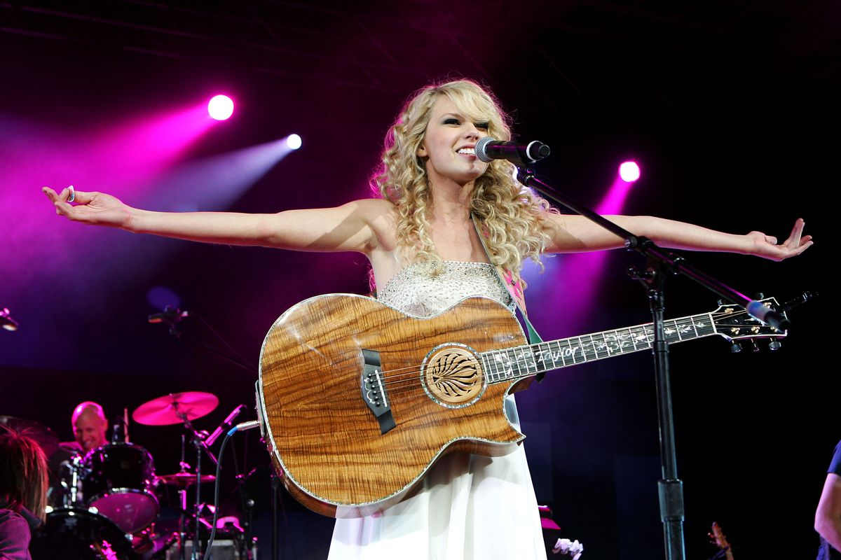 Taylor Swift S First Album Is 10 Our Song Shows How Far She S Come Since 2006 Vox