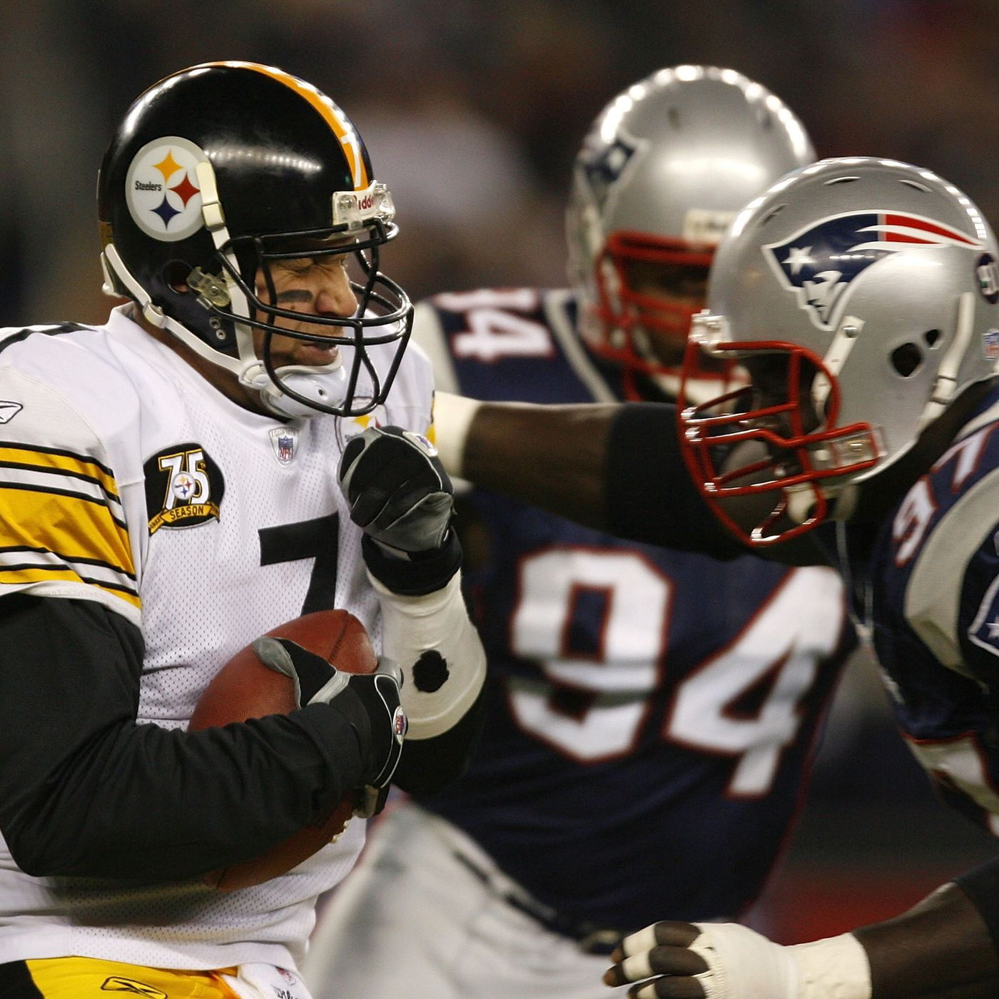 super popular 13dd3 c2490 Steelers QB Ben Roethlisberger has striking home and away ...